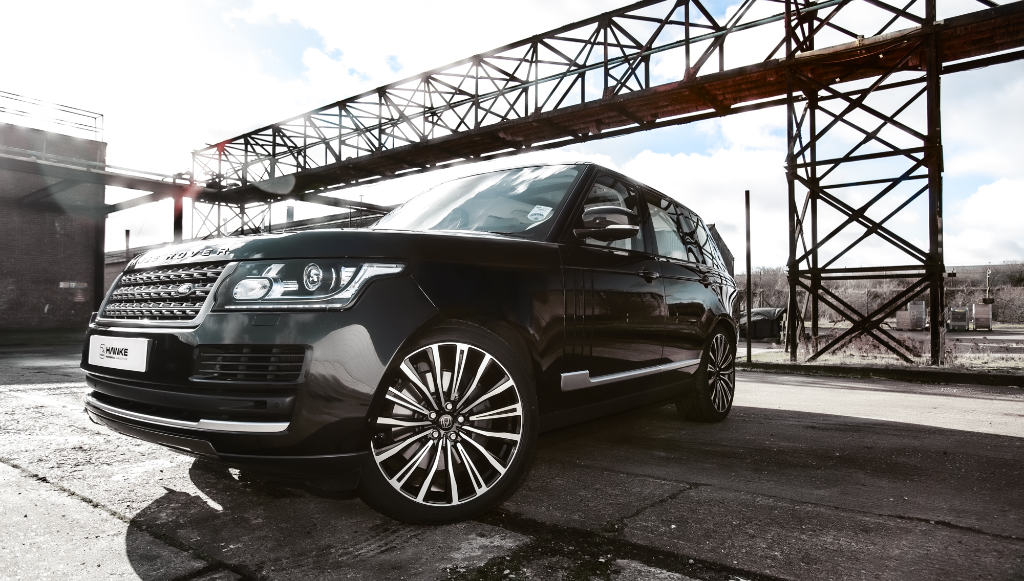 Black Range Rover Vogue on HAWKE Chayton wheels in Black Polished colour finish